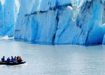 Helicopter Zodiac Iceberg Tour & Lower Glacier Landing with Alaska Shore Tours