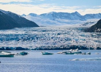 Glacier Blue Kayak & Grandview Train Tour with Alaska Shore Tours